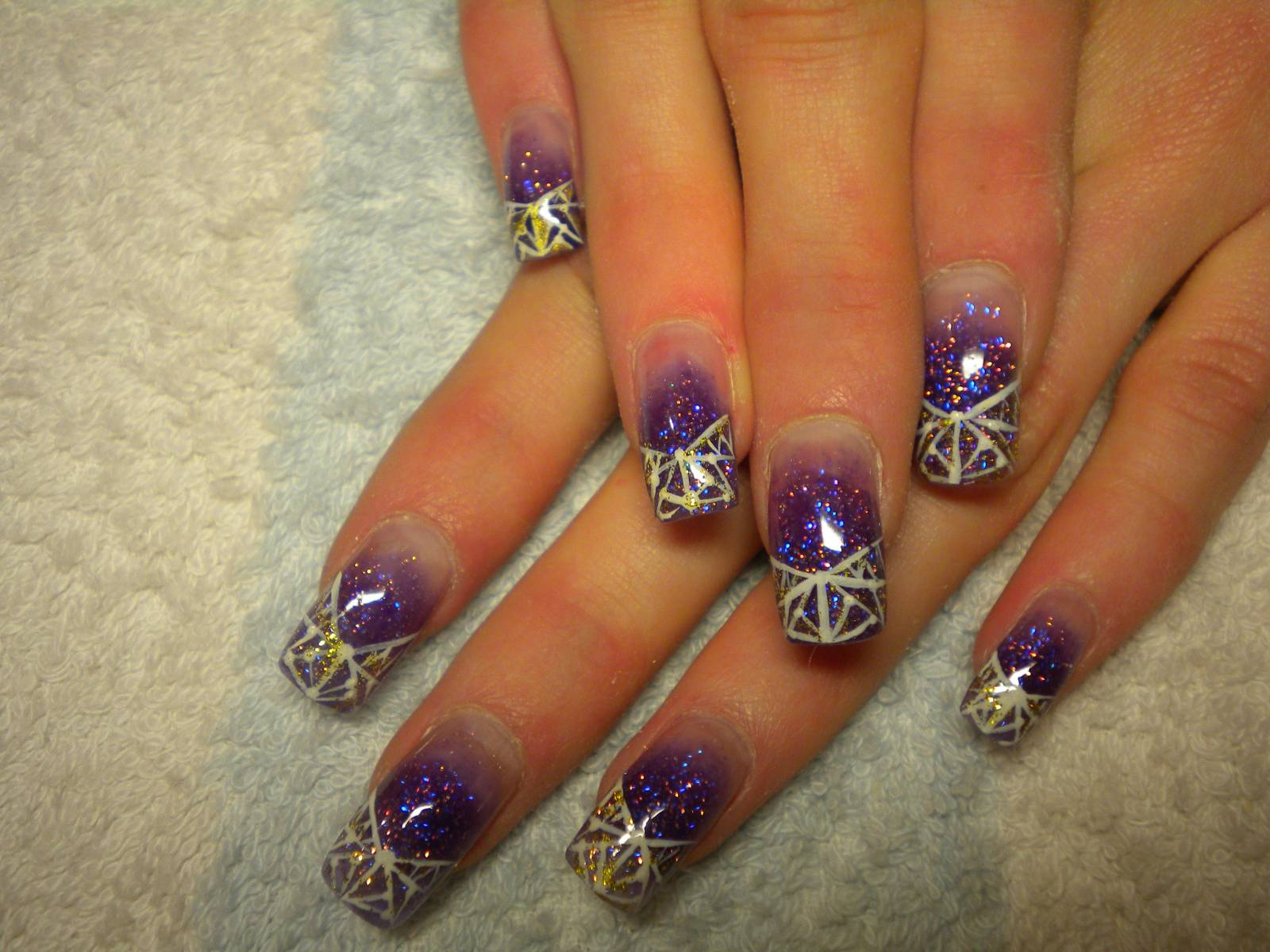 Новогодний дизайн ногтей акрилом